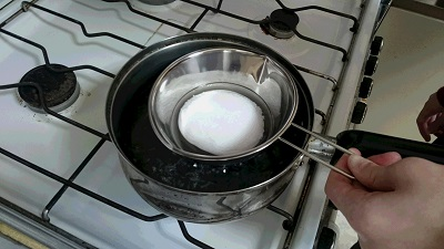 ロウの湯煎