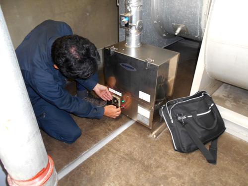 消臭器の点検2