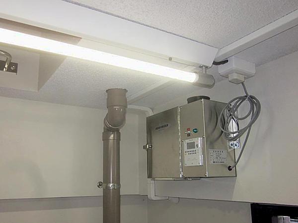 ゴミ置き場に設置した消臭器