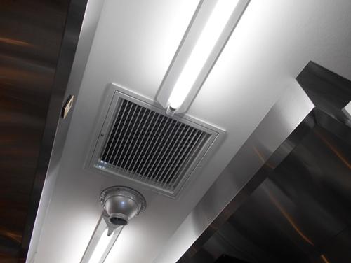 天井裏に通じる点検口