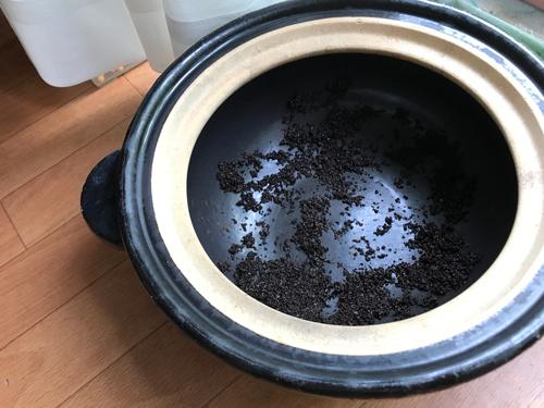 土鍋とコーヒーかす