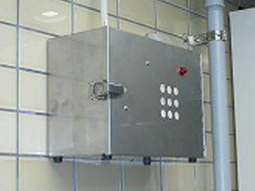 施設に設置した消臭器