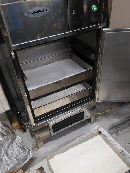 厨房排気に消臭器 VFD-1030TM