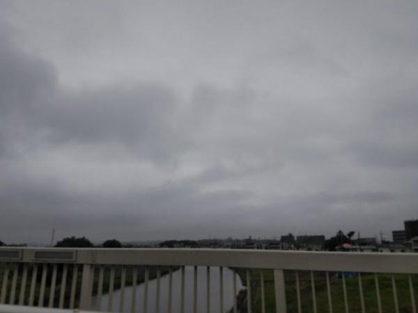 東京の曇り空