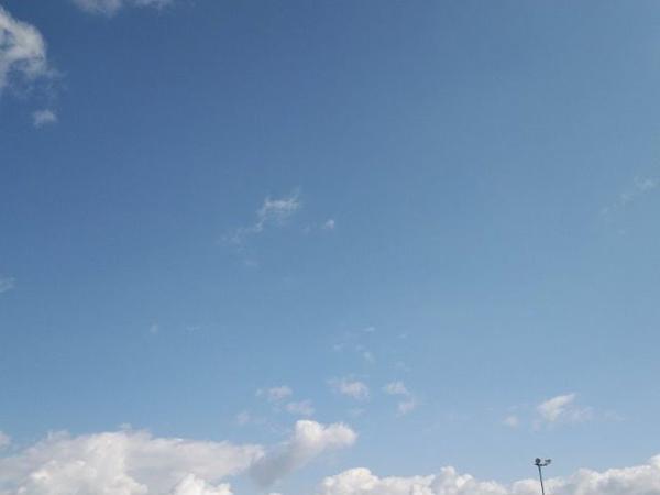 山梨の青空2