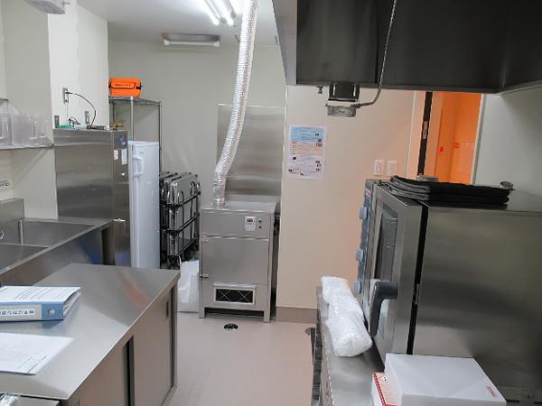 厨房に設置された中和消臭器